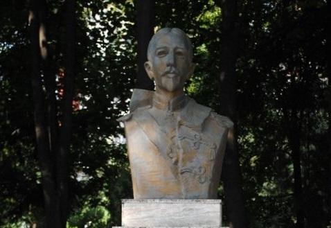 Bust Maresalul Alexandru Averescu