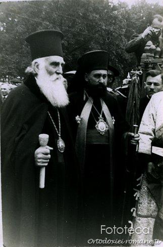 Mitropolitul Visarion Puiu al Bucovinei la Vatra Dornei, alături de patriarhul Miron Cristea
