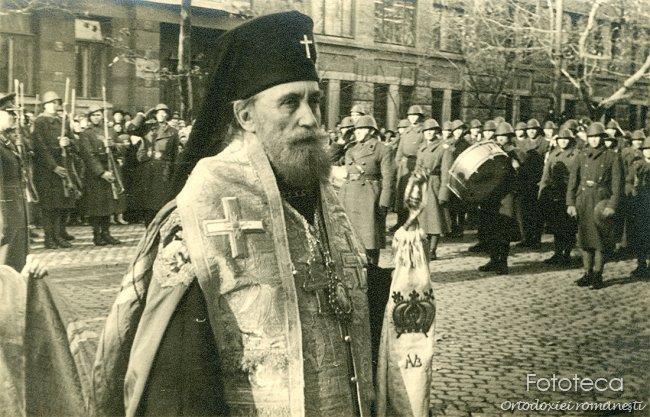Mitropolitul Visarion Puiu al Bucovinei la instalare