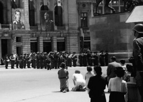 In genunchi pentru Basarabia si Bucovina. Fotografii inedite de Willy Pragher din 22 iunie 1941, ziua declansarii Razboiului Sfant