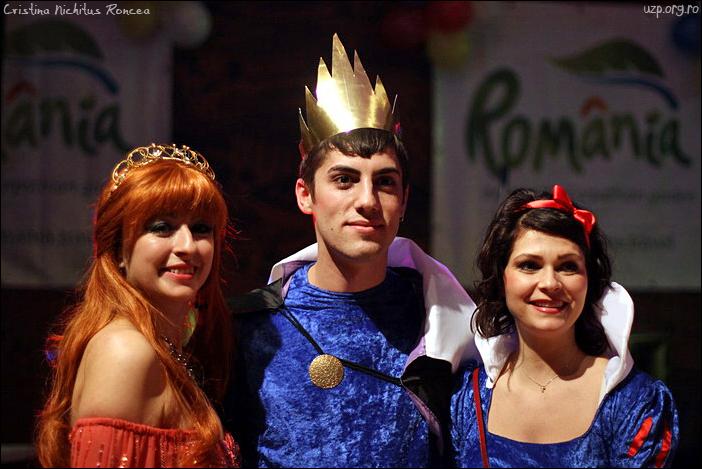 10 Marii Castigatori ai Balului Mascat al Romanilor de la GRAZ si Cristina Popi - foto Cristina Nichitus Roncea