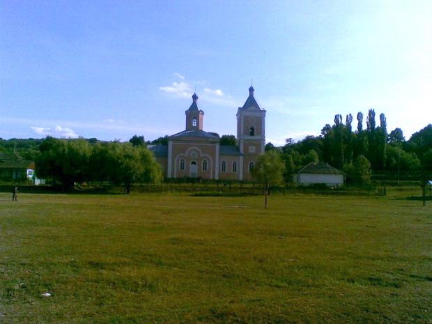 13 Napadeni - Biserica Sf Nicolae - Pr ziarist Grigore Constantinescu - Glasul Basarabiei - Basarabia-Bucovina.Info