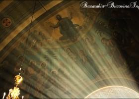 FOTOGRAFII. Biserici din Cernauti, nordul Bucovinei